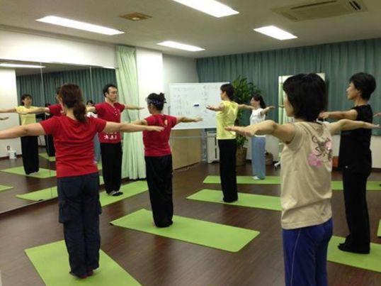 その場で変化を実感!健康的で身も心もキレイに!気功的姿勢改善講座の画像