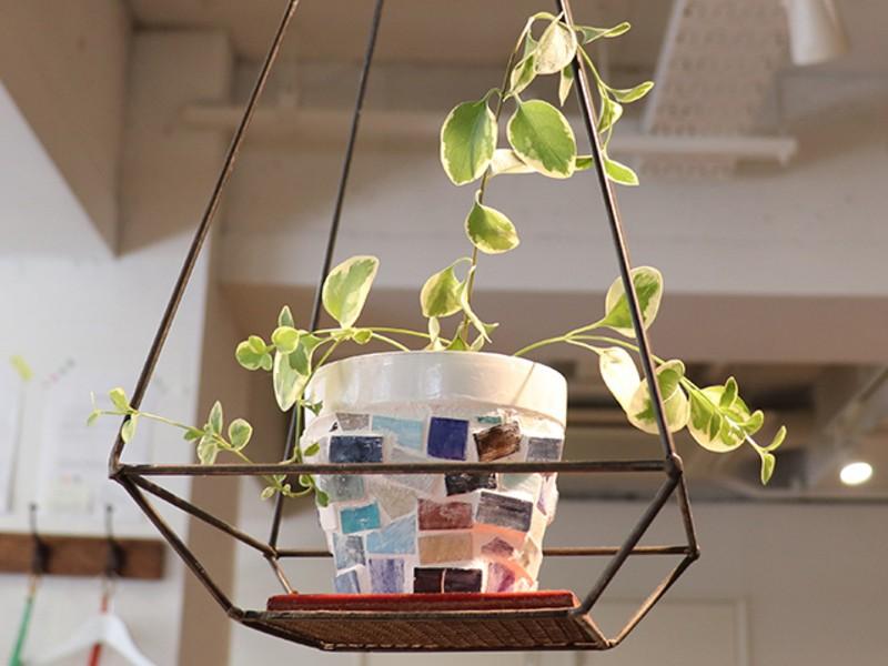 タイルやセメント目地で素焼き植木鉢をリメイクしようの画像