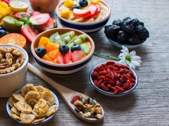食べて、ゆるく痩せる  ストレスを最小限に抑えたダイエット計画の画像