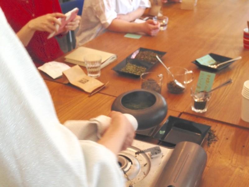 秋のほうじ茶作りとスイーツとの画像