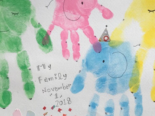 家族で手形・足形アート(親子ワークショップ)の画像