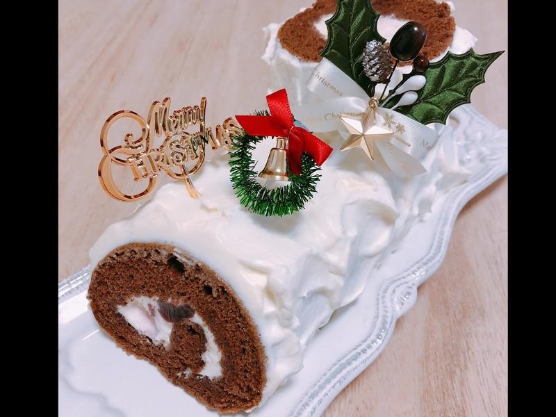 """クリスマスのお土産付き♡クリスマスケーキ''ブッシュドノエル""""の画像"""