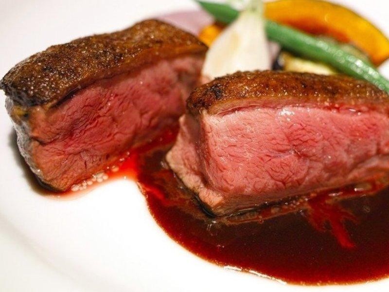 <肉ラボ!鴨❌牛>鴨肉を焼く❌フライパンでローストビーフの画像