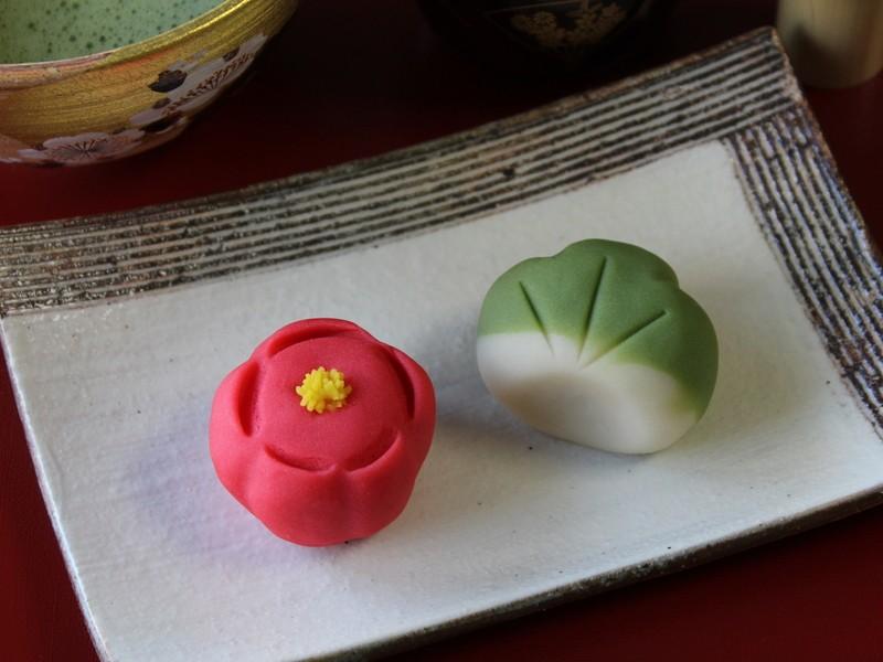 【和菓子】練り切り「紅梅」と「松」でお正月を楽しもう!の画像