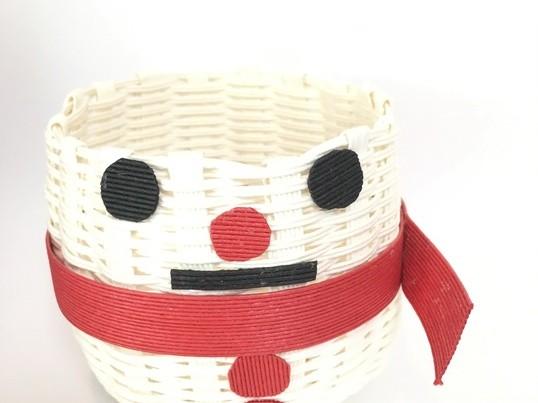 クラフトバンドで作る雪ダルマちゃんの画像