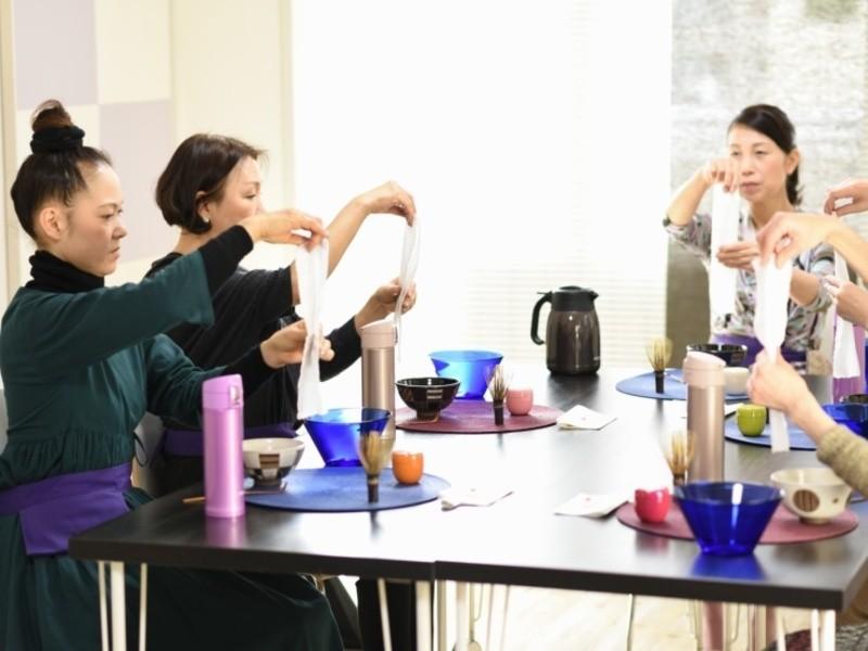 1DAYテーブル茶道体験「おもてなし茶の湯」の画像