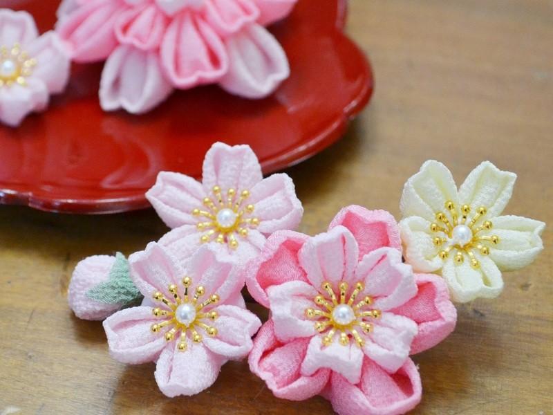 表参道で和文化体験♩つまみ細工で桜モチーフの飾りつくりの画像