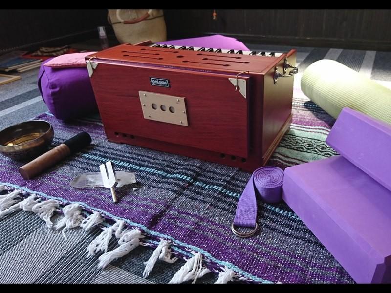 心のヨーガ講師が教える!簡単に味わえる癒し、音の瞑想・歌うヨーガの画像