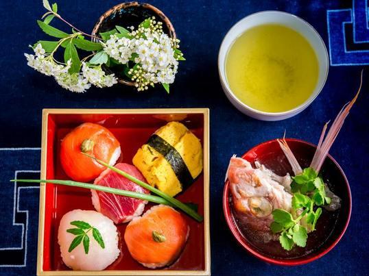 料理の基本のお出しを極め手まり寿司をつくるの画像