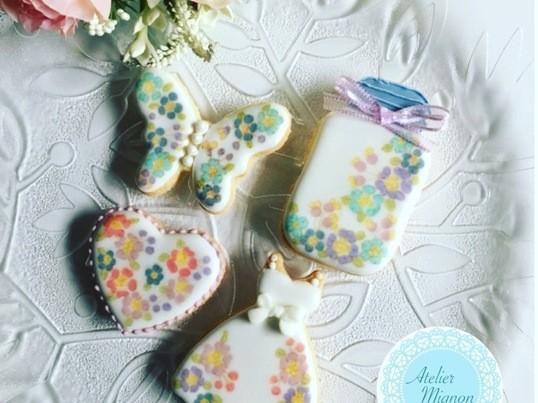 リバティ風花柄模様のアイシングクッキーの画像