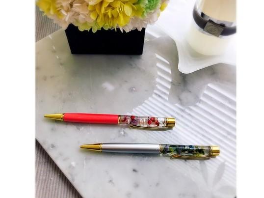 【プレゼント🎁にも】ハーバリウムボールペンを作ろう!の画像