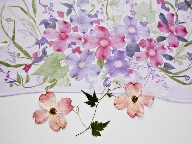 染め物|ストール-神楽坂で文化体験♪想い出のお花や葉の持込も可 の画像
