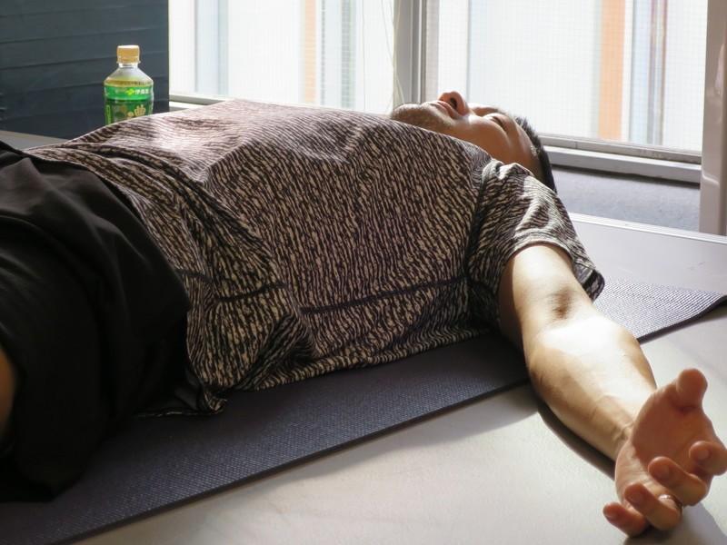 「男の体幹を鍛える前のヨガ」ワークショップの画像