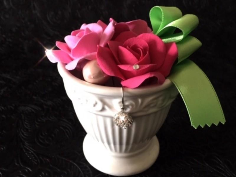 【クレイフラワーローズ&スワロフスキー】粘土で作るバラの画像