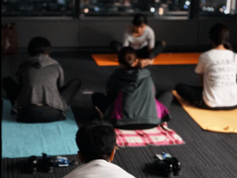 【銀座 金曜 Night yoga】隔週金曜開催の夜ヨガです。の画像