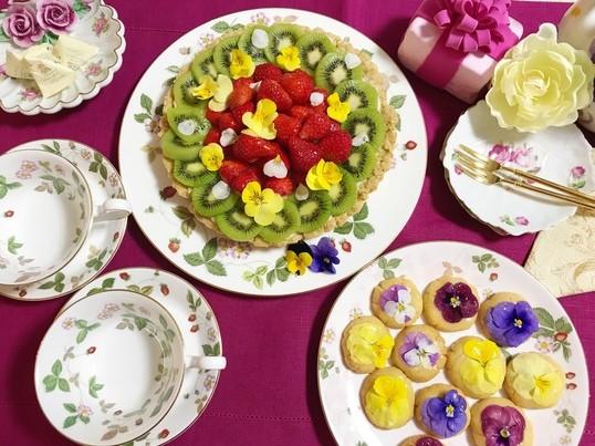 占いつき🔮グルテンフリー&食用花を使ったスィーツの画像