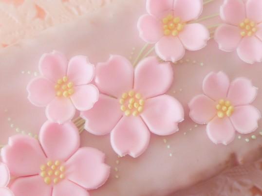 桜舞う 桜のケーキの画像