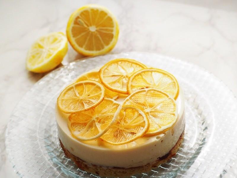旬の柑橘類フルーツムースケーキの画像