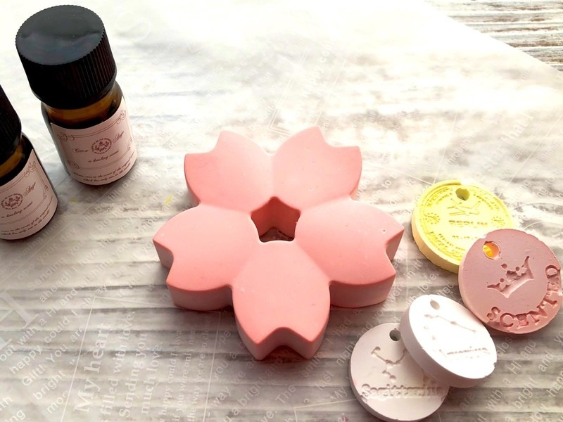 桜のアロマストーン と春の香りのブレンドオイル作りの画像