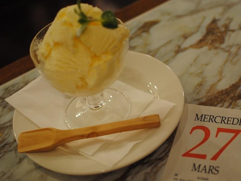 東京の木で作るアイスクリームスプーン(カフェのアイスクリーム付き)の画像