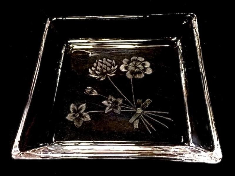 ガラスウェアに素敵な絵柄を彫るグラスカービング ❤︎体験レッスンの画像