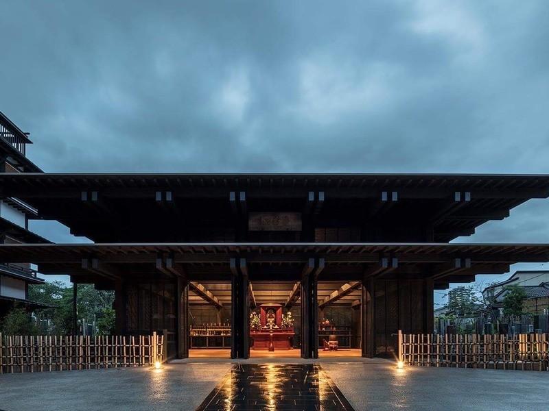 巣鴨!モダンなお寺で温もりを感じながら寺ヨガの画像