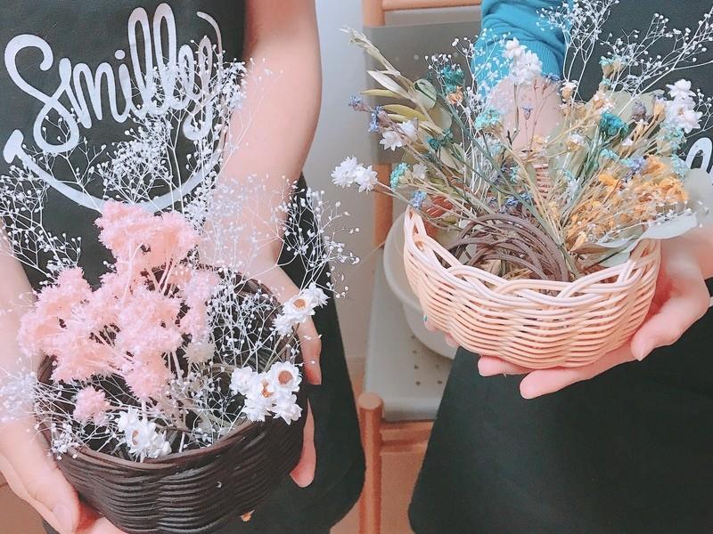 【かご編み】ころんとかわいい素朴な丸いかごにお花を摘んで♩の画像