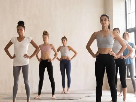 ピラティスで体幹トレーニングの画像