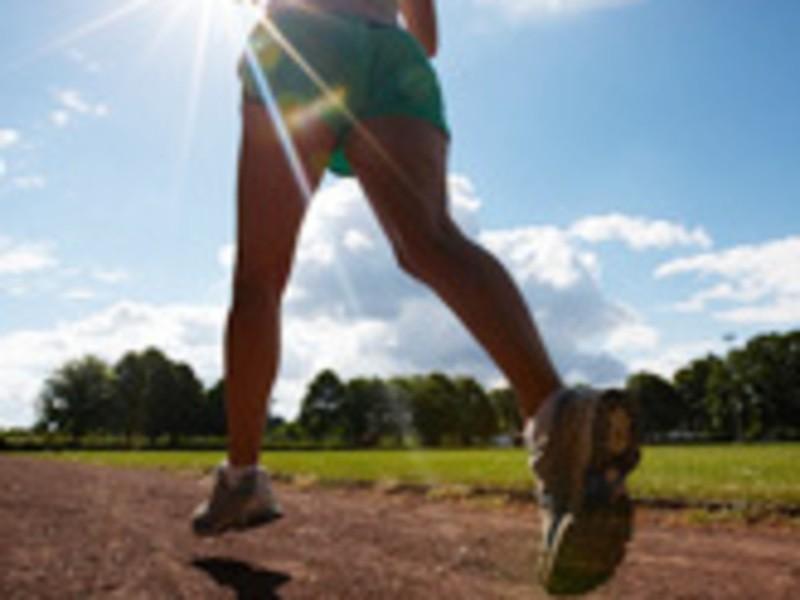 サブ4目標から完走まで!ケガせず走りきるためのランニングフォームの画像