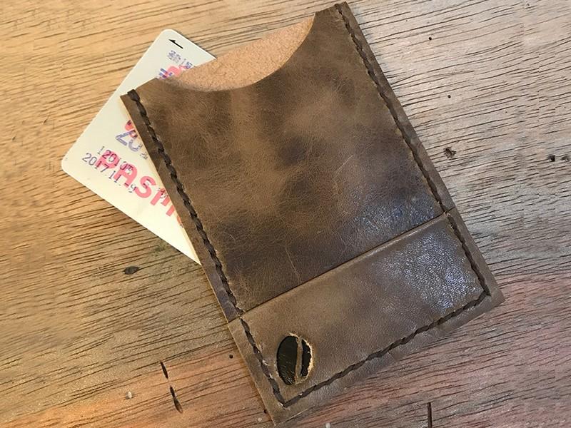 焙煎珈琲店内で珈琲豆モチーフ革小物作り【パスケース・コインケース】の画像