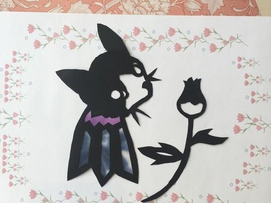 親子で楽しむ切り絵教室の画像