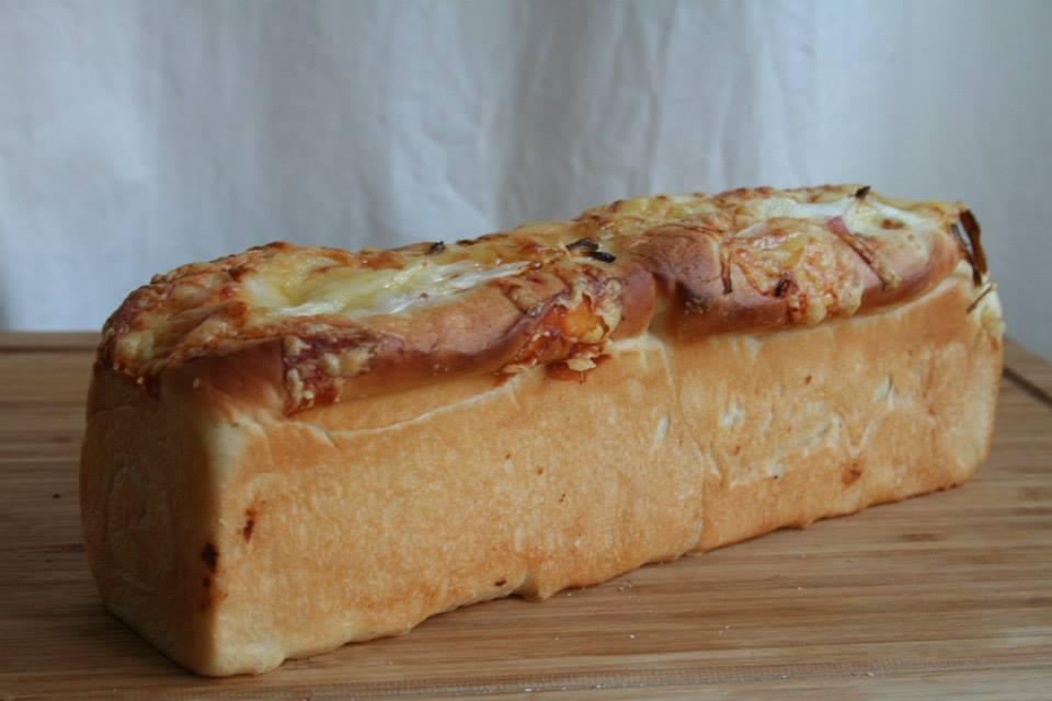 オニオンベーコン食パン&自家製カスタードで焼くクリームパン