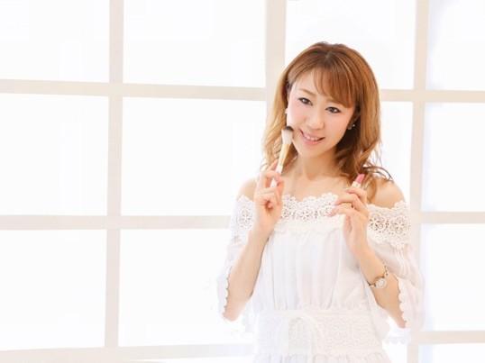 たった3回で自分で出来るようになるヘアメイクレッスン☆の画像
