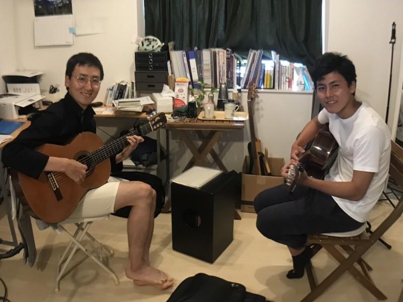 マンツーマンのギターレッスン☆福岡市中央区☆の画像