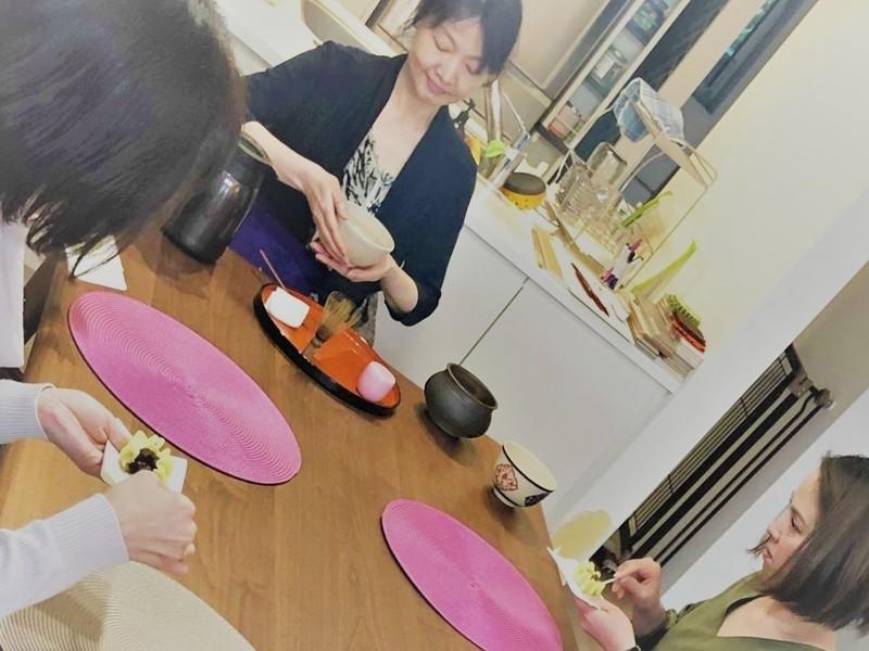 新年テーブル茶道茶会(茶道具展示と茶の湯)所要時間30分の画像