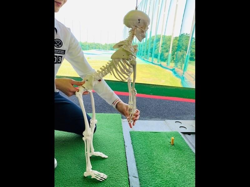姿勢メイクトレーナーが教える、身体に負担のないゴルフスイングの画像