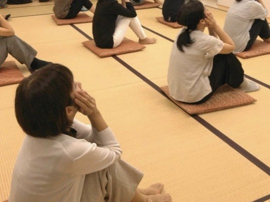 大阪|乳がん経験者のためのやさしいルーシーヨガ【少人数】第4土曜日の画像