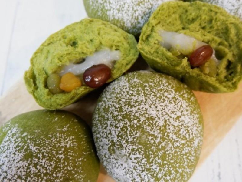 京都『天然酵母パンレッスン 求肥入り抹茶あんぱん』の画像