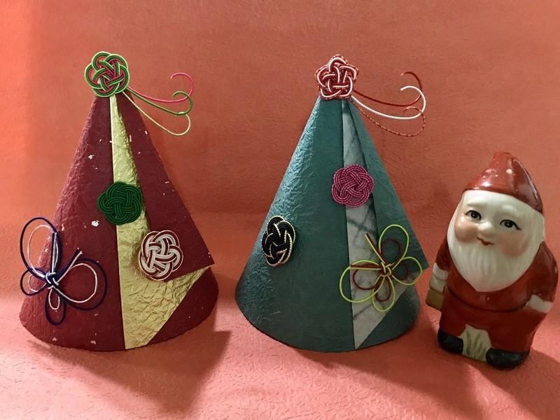 水引と和紙で作るクリスマスツリーの画像