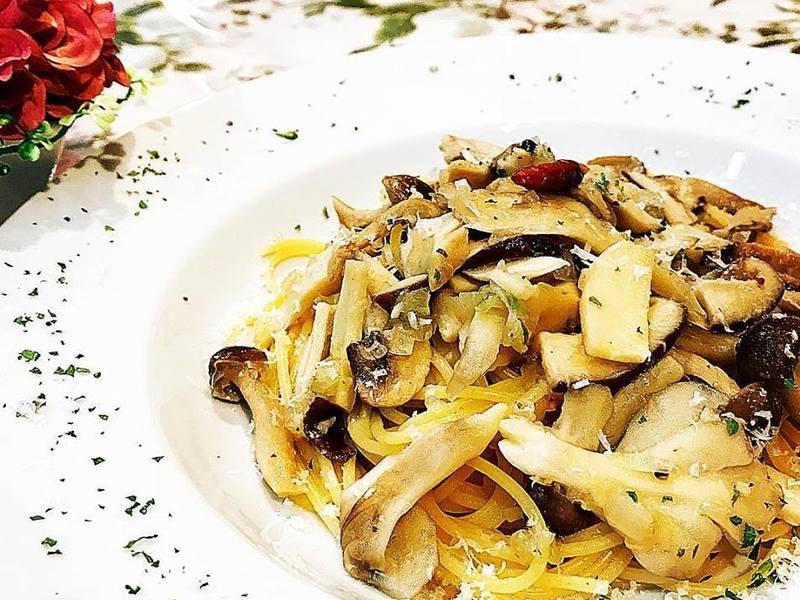お料理教室初めての方も安心 家庭で作る基本のポルチーニ茸のパスタの画像