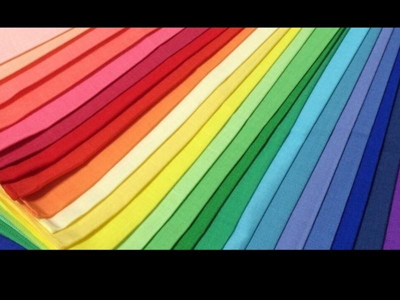 あなたを魅力的にする色 ファッションコーディネートの画像