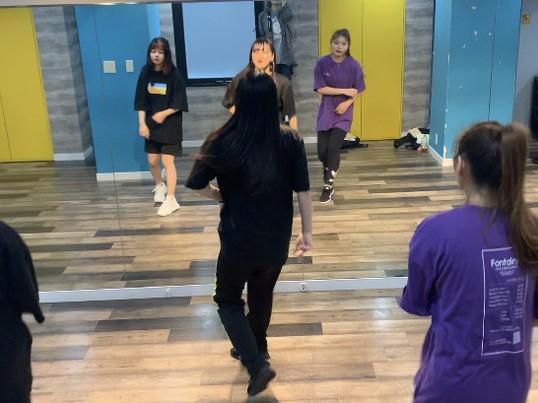 K-POPダンスレッスンの画像