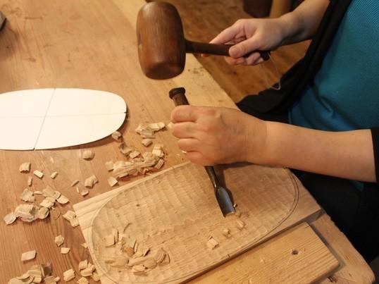 本格的に木の皿、ノミで彫りませんか!!の画像