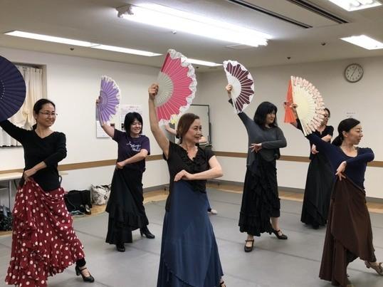マダムのためのスパニッシュダンス&ストレッチクラス体験八王子の画像