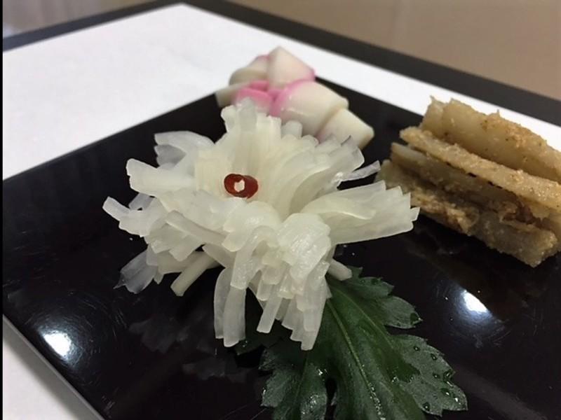 年越し準備に!おせちの定番3種&焼豚&鯖寿司♪牛とろろ蕎麦も!の画像