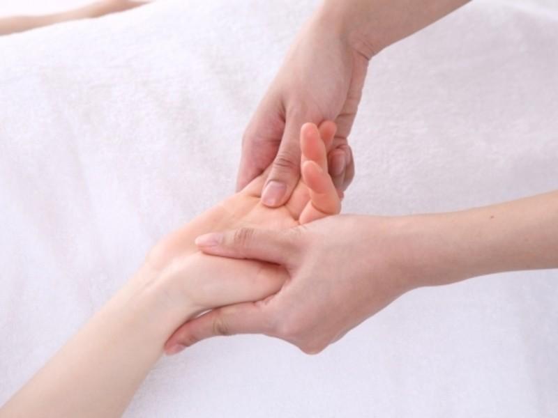 手と心に働きかける魔法のアロマハンドマッサージ講座(名古屋)の画像