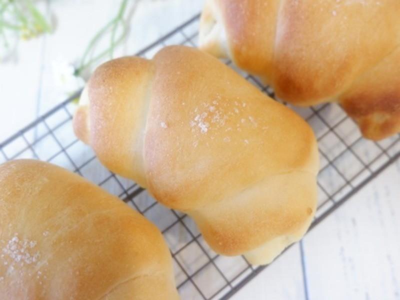京都『天然酵母パンレッスン 塩バターロール』の画像