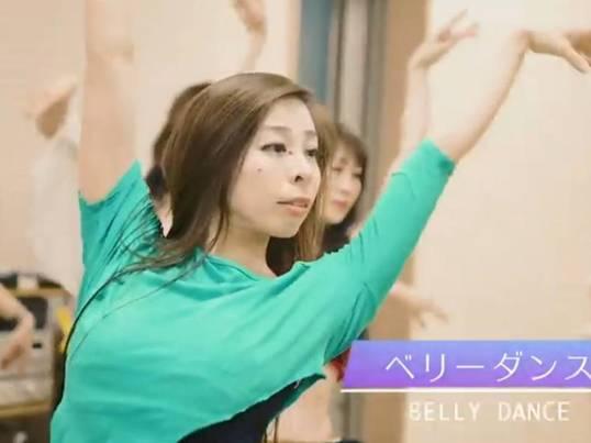 ベリーダンスで身体をメイクするbelly makingの画像