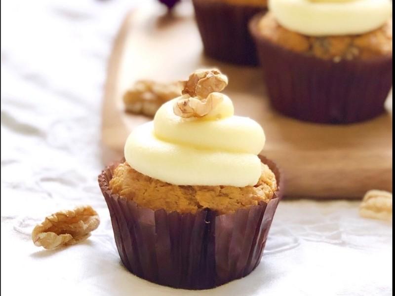 バター不使用!ココナッツオイルで焼くキャロットケーキの画像