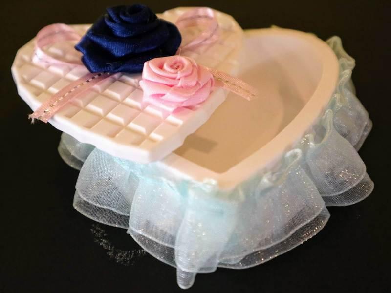 アロマストーンで作るハートの小物入れ・バレンタインのプレゼントにの画像